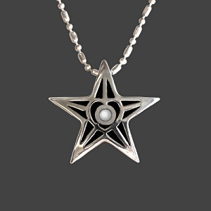 Silver Star Military Pendant for Mothers, Daughters, and Families
